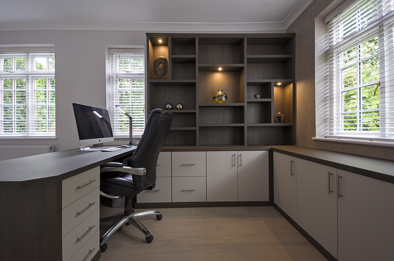 Fitted Study in Pugliola Sable finish